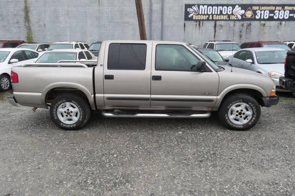Photo 2002 Chevrolet S10 LS Crew 4x4 - $5895 (Monroe, LA)