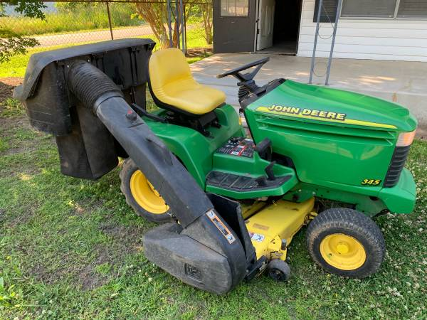 Photo Parting Out John Deere 345 Lawn Tractor (West Monroe Louisiana)