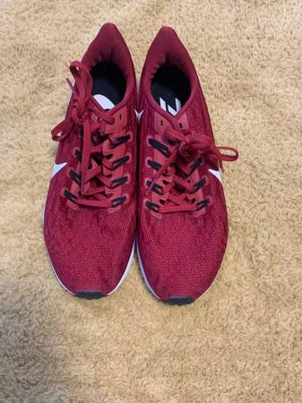 Photo Red Nike Zooms - $45 (Ruston)