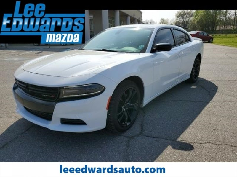 Photo Used 2016 Dodge Charger SE w Power Sunroof Group for sale