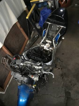 Photo 2000 Suzuki gsxr 600 roller - $600 (Monroe)