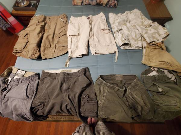 Photo 8 pair of cargo shorts for less than the price of one new - $12 (Norwalk)