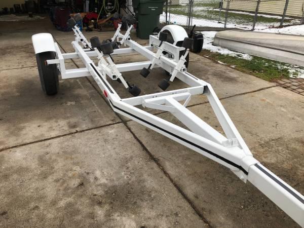 Photo Boat Trailer  Heavy Duty  16 - 18 ft.  Ready  Great Shape  - $750 (Shelby Township)