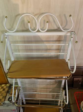 Photo FURNITURE FOR SALE Looking to sell ASAP (Canton)
