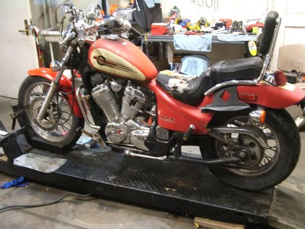 Photo HONDA VT 600 SHADOW VLX - $800 (WAYNE)