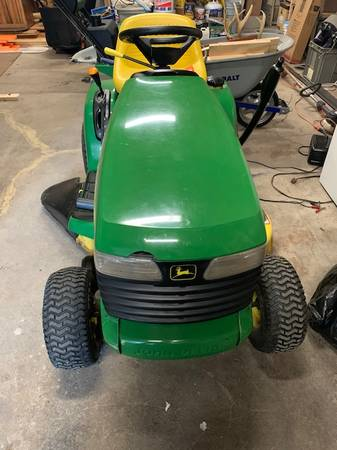 Photo JOHN DEERE TD 133 RIDING TRACTOR - $950 (MONROE)
