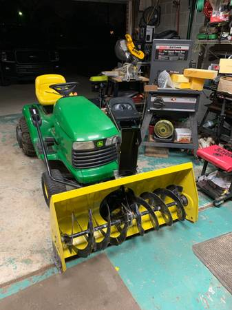Photo John Deere Garden Tractor with Snow blower - $1,000 (Romulus)