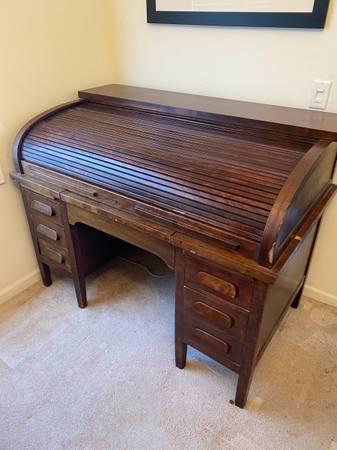 Photo Roll top desk - $200 (Monroe)