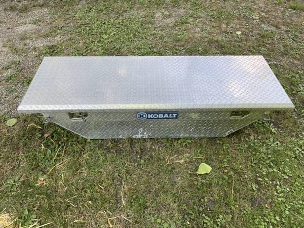 Photo Small Truck Tool Box, Ranger, S-10 - $75 (Carleton)