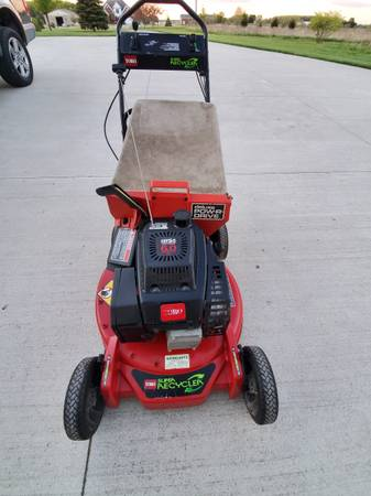 Photo Toro Mower Rear Bagger - $150 (Ida)