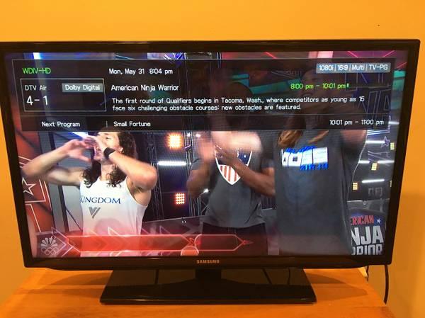 Photo Samsung  LED HDTV 1080P  - $80 (Harrison TWP)