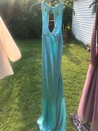 Photo formal dresses - $15 (Warren)