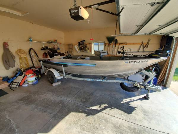 Photo 1999 Gregor 16 ft fishing boat - $3,500 (Spearfish)
