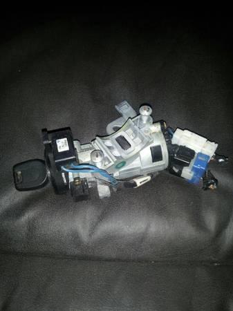 Photo 2000-2005 Mitsubishi Eclipse Ignition with Key - $50 (Billings)