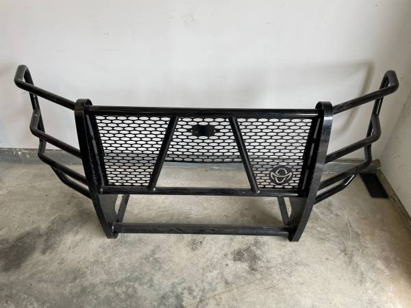 Photo Ranch Hand Grill Guard for 2017-2021 Ford Super Duty - $400 (Sidney, MT)