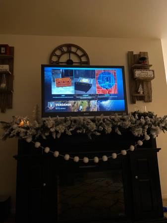 Photo Sony 42 inch projection tv - $50 (Rapid city)