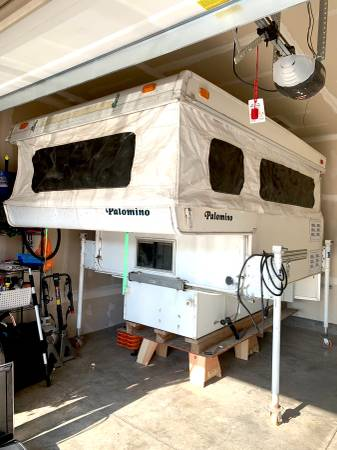 Photo Updated 2003 Palomino Bronco 600 Truck Bed Cer - $4,300 (Rapid City, SD)