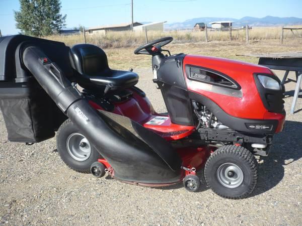Photo YT 3000 CRAFTSMAN 21 hp MOWER - $750 (East Helena)
