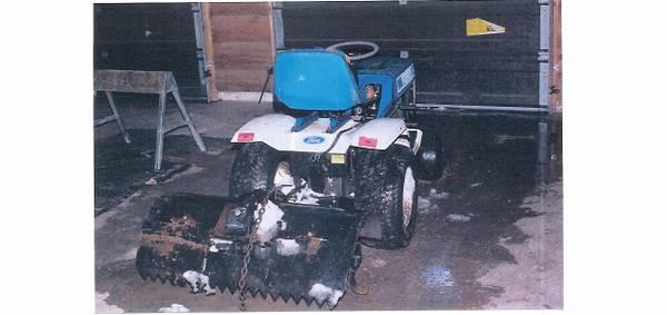 Photo ford tractor garden tiller - $100 (Lewistown)