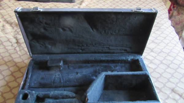 Photo yamaha saxophone sax hard case student size just the case - $20 (rapid city sd)
