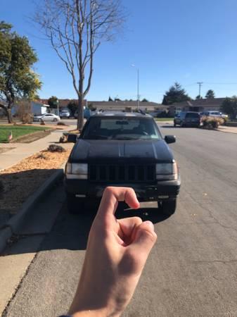 Photo 1997 Grand Jeep Cherokee ZJ - $2,600 (Salinas)