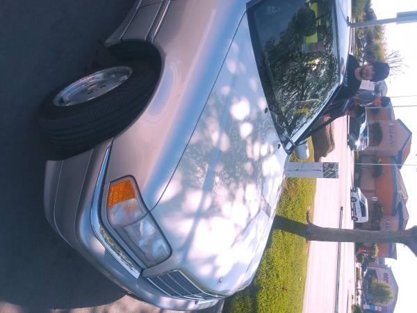 Photo 1999 Mercedes c230 - $2000 (Salinas)