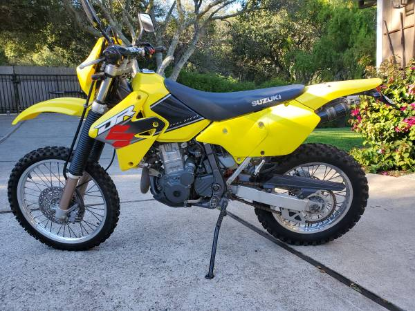 Photo 2001 Suzuki DR-Z 400 Dual Sport Motorcycle - $4,200 (Hwy 68)
