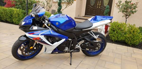 Photo 2007 Suzuki GSX-R 600 - Super Clean - 3711 Miles - $6,900 (danville  san ramon)