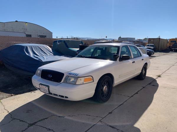 Photo 2009 Ford Police Interceptor p71 Crown Victoria - $4,500 (Salinas)