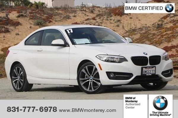 Photo 2017 BMW 230i Coupe - $28,900 (2017 BMW 230i Coupe)