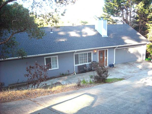 Photo 2 Small Bedrooms near Del Monte Shoping Center, utilities included. (224 Mar Vista Drive, Monterey)