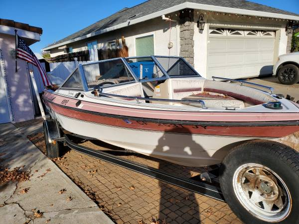Photo 3990 Boat Need Gone - $750 (Hollister)