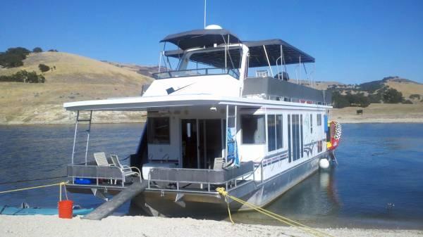 Photo 5539 Horizon Yacht Houseboat - $165,000 (Lake San Antonio)