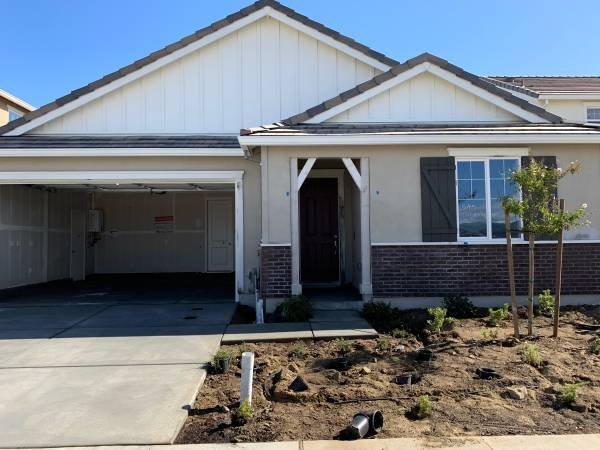 Photo $850 Room for rent in brand new house (Hollister) (Hollister)