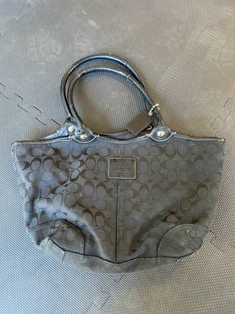 Photo Black Coach Purse Tote Bag - $60