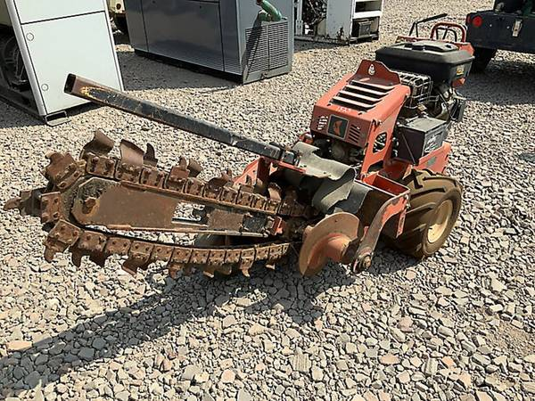 Photo Ditch Witch RT12 Walk-Behind Trencher - $3,700