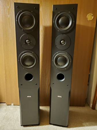Photo Dynaudio Audience 122 Floor standing speakers - $700 (salinas)