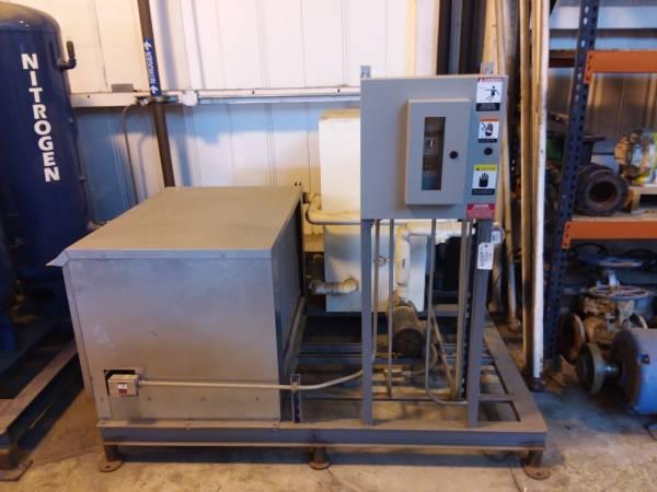 Photo Fluid Industrial Low Temperature Liquid Chiller, 4 Ton R-407C, Scroll - $7,598