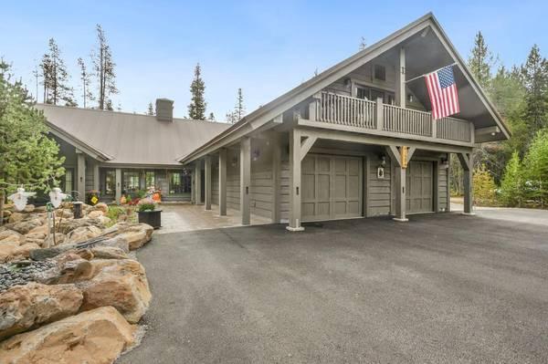 Photo For Sale - Great 1031 Exchange - S Oregon Mountain Lakes Luxury Lodge (Southern Oregon)