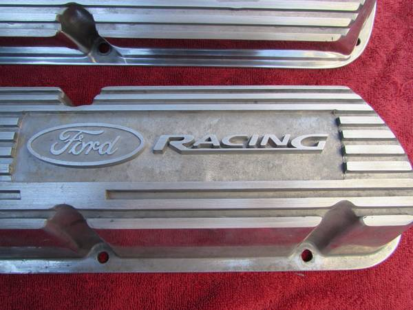 Photo Ford Racing Aluminum Valve Covers 5.0 Mustang GT Ford 289 302 351W - $125 (Salinas)