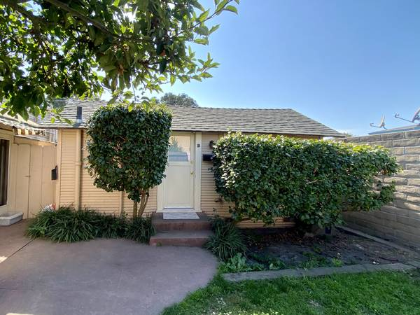 Photo Fully Private Entrance Room for Rent (South Salinas)