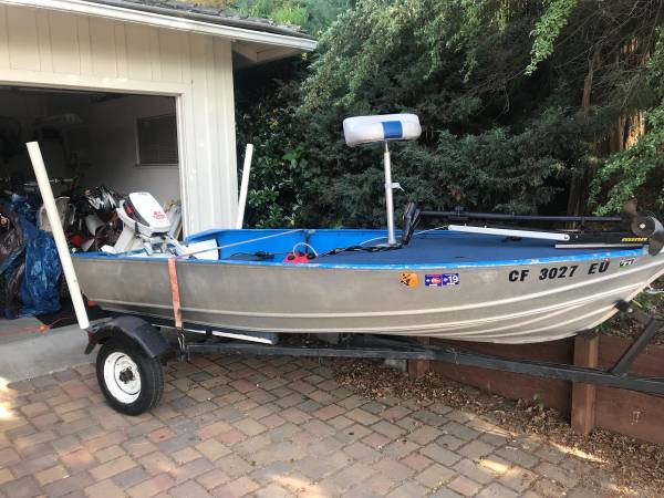 Photo Gregor 1239 Fishing Duck Boat - $2,500 (concord  pleasant hill  martinez)
