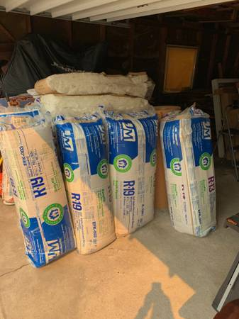 Photo Insulation - Johns Manville - R-19 R-13 - 481 sq. ft. and more - New - $225 (Monterey)