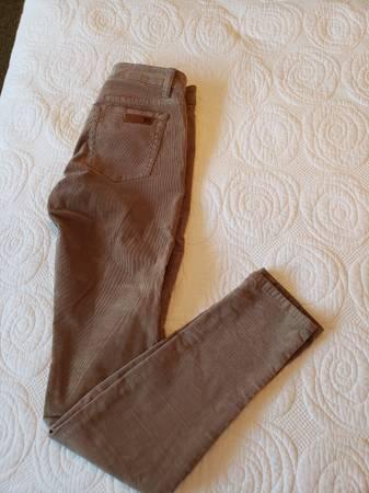Photo JOE39S Corduroy and denim Skinny Jeans Size 26W - $9 (Seaside)