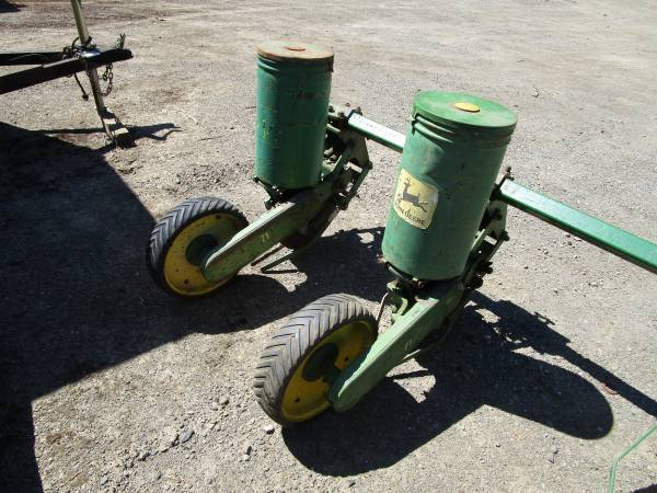 Photo John Deere 71  33 planters - $595 (morgan Hill)