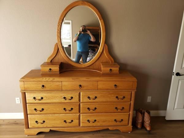 Photo Lovingly cared for Oak bedroom set Dresser, TV Ar moire, 2x Nightstand - $800 (San Juan Bautista)