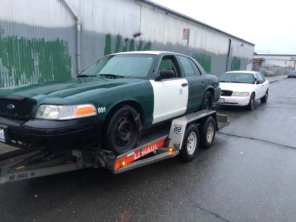 Photo Parting out 2010 ford crown Victoria police interceptor - $1 (Salinas)