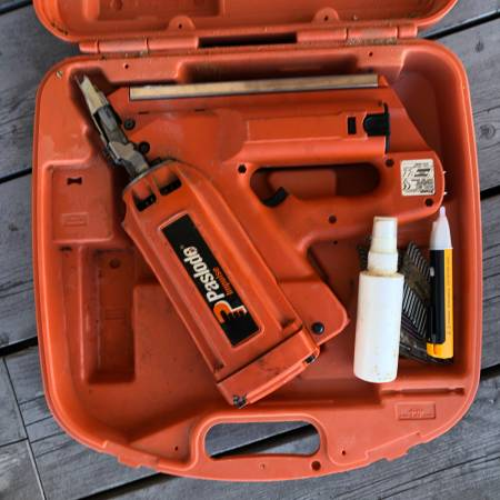 Photo Paslode Cordless Framing Nailer - $200 (Carmel)
