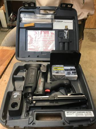 Photo Paslode cordless finish nailer - $150 (Royal Oaks)