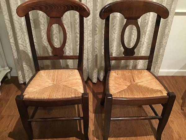 Photo Pottery Barn Napoleon Dining Kitchen Chair, - $50 (South Salinas)